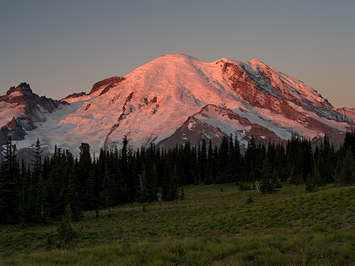 Alpine_Glow_at_Sunrise_Mount_Rainier_Mount_Rainier_National_Park_WA