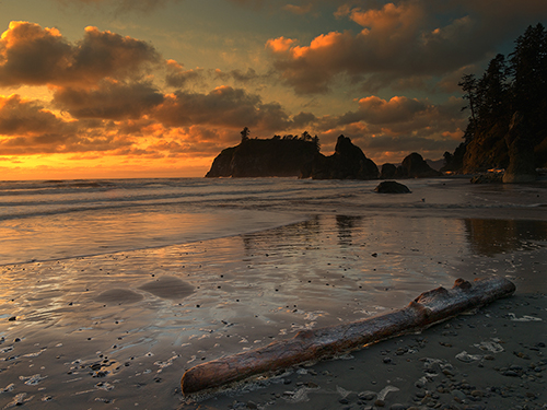 Sunset_at_Ruby_Beach_Olympic_NP_WA